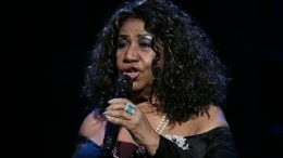 Aretha-Franklin-Sweet-Sixteen-Freeway-Of-Love-LIVE-2011